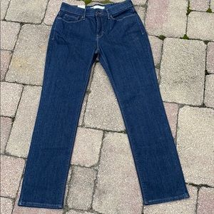 NWT Levi's Size 6 Straight leg Perfect Waist 28x30